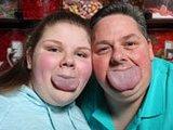美国父女拥有世界最宽舌头