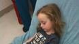 5岁女孩突然瘫痪原因成谜直到妈妈在她的头发里发现了这个