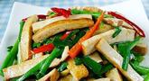 韭菜炒香干的做法 春季养生韭菜是个宝
