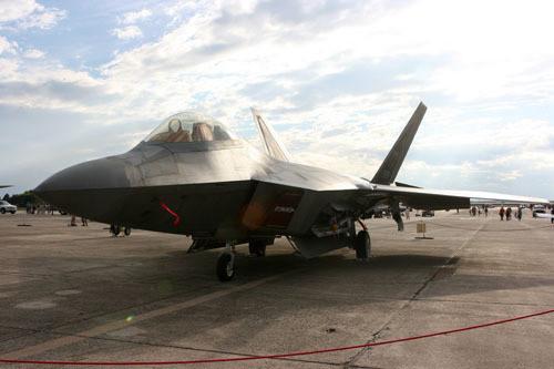 博物馆的f-117a残骸已经不到完整飞机的五分之一