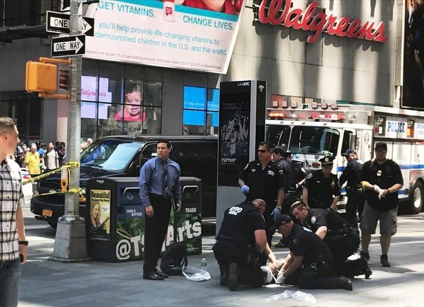 外媒:时代广场肇事司机来自美海军 有犯罪经历