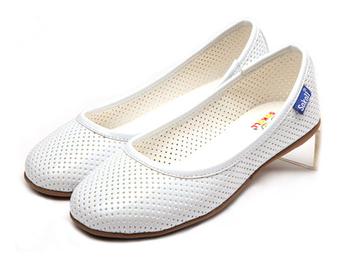 春夏季网眼透气简洁纯白小凉鞋