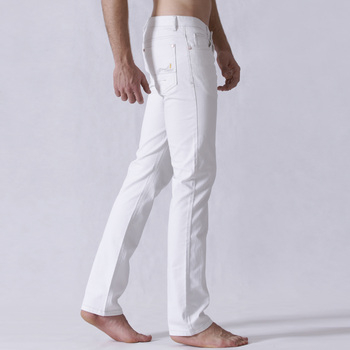 白色牛仔裤 男