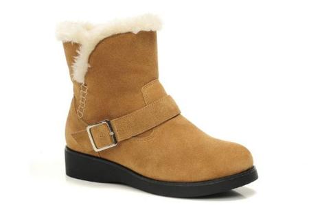 深棕色马丁靴搭配