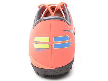 8代碎钉tf足球鞋
