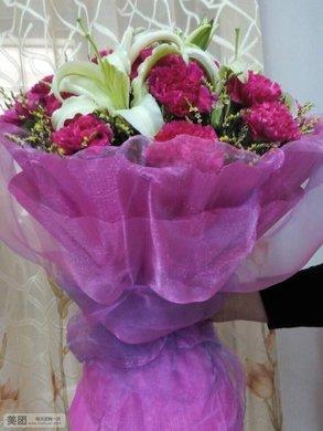 康乃馨花束3选1,赠人鲜花
