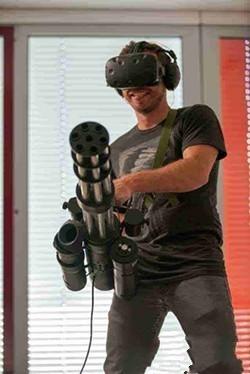 VR设备+加特林机枪成最佳外设