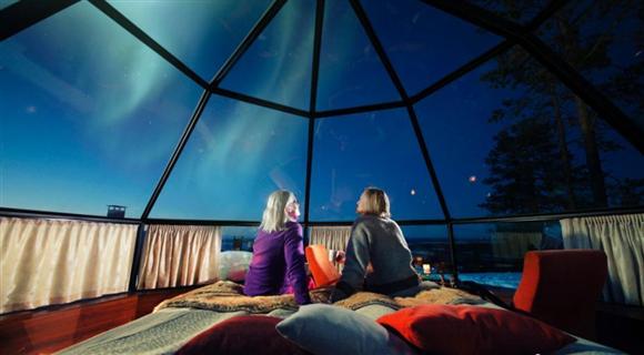 芬兰圆顶小屋纯玻璃打造 躺在床上看北极光