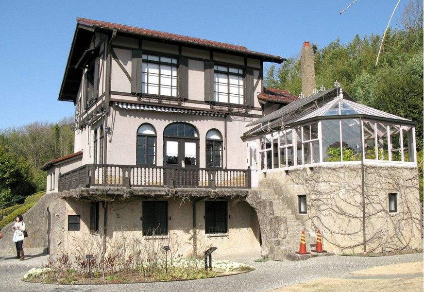 在日本,为何有钱人都是住别墅,别墅反而住穷人北欧现代公寓图片