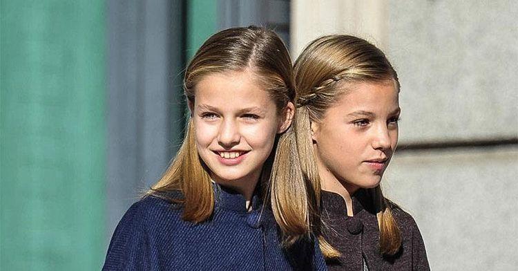 妹二人亮相活动,穿衣越来越有品味!精致发型更