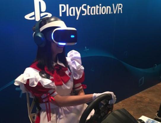 妹纸体验索尼国行PSVR 12款VR游戏首发
