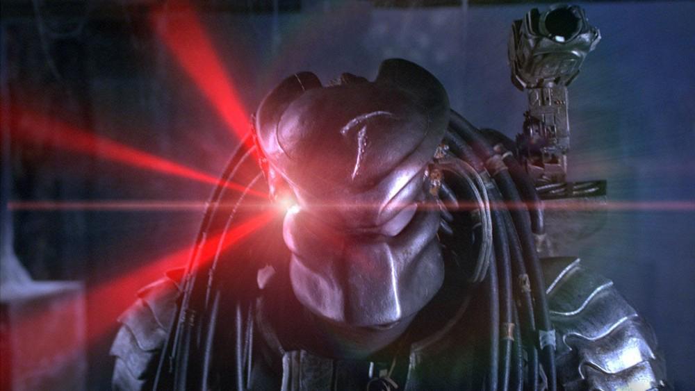 少年铁血大战异形女皇 6分钟看完科幻恐怖片《异形大战铁血战士》
