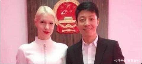 结婚3年,撒贝宁外国妻子近照曝光,网友:容貌大变样