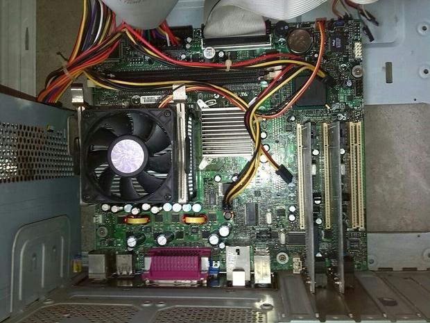 这种主板的硬件的电源线怎么接