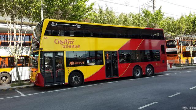 外加很多城市的公交车都有超速提醒,一旦公交车的速度过快,就会一直不