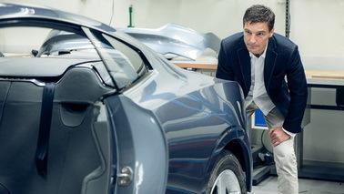 沃尔沃将微软HoloLens引入汽车研发领域 让研发加速