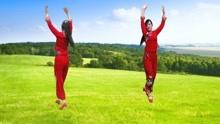 欢快舞步《好运来》你勤劳生活美,你健康春常在,你天天笑逐颜开
