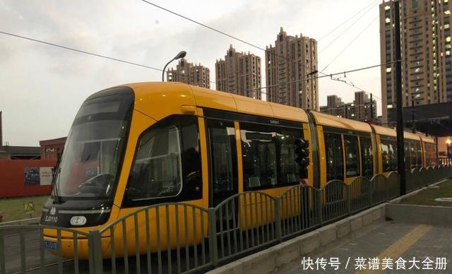 松江有轨电车试运行即将结束想要一条轻轨还是会堵车的公交