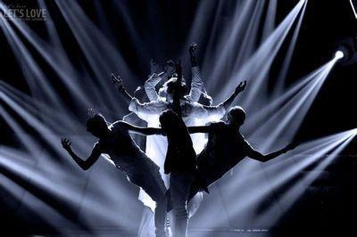 有没有关于exo 《狼与美女》刚开始的手势图