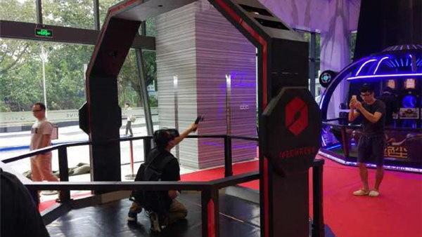 HTC Vive首个VR俱乐部开业