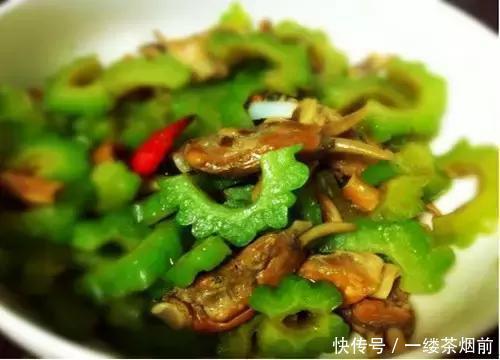 <b>几道香辣下饭家常美食,简单美味,好吃到根本停不下筷子来</b>