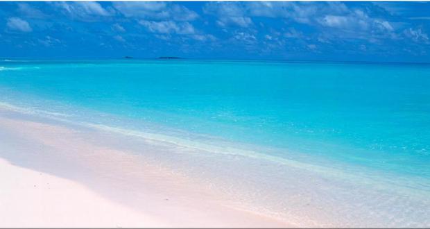 海边的风景壁纸,好桌道刚下的,这个海滩很美是不是?