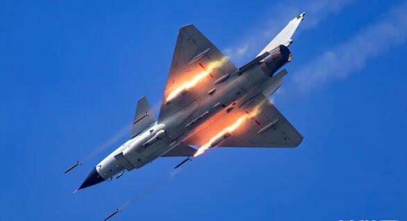 轰6K等五型战机和空降兵将赴俄参加国际军事比赛