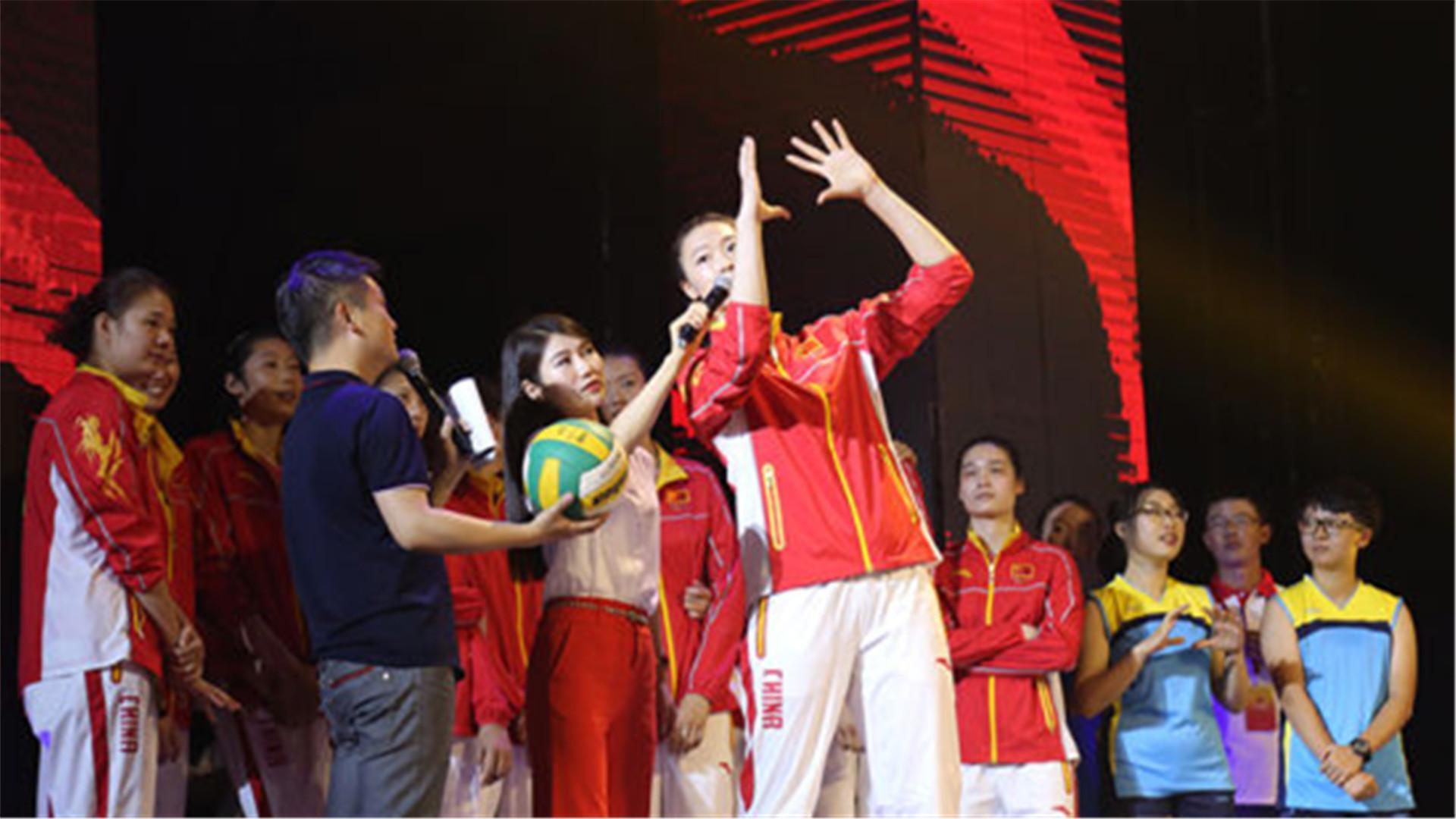 访北大清华自曝表情包学生提问风格迥异 北京时间