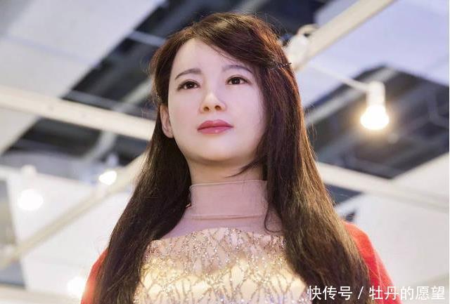 "<b>日本""女性机器人""有多仿真曝光了一张内部结构图,引网友热议</b>"