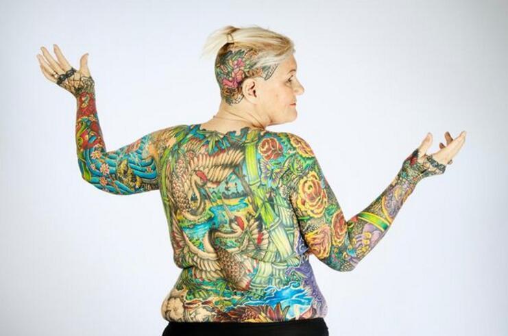 全世界纹身最多的人_俩丧偶老人一起打破世界吉尼斯记录,成为纹身最多的人