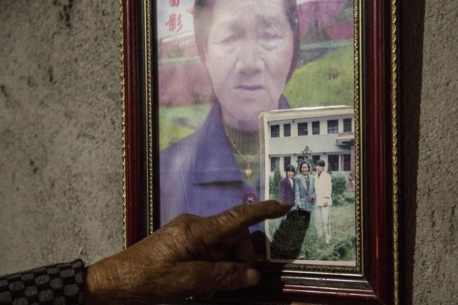老太养大6个儿女却无人养老 守着棺材过 - 周公乐 - xinhua8848 的博客