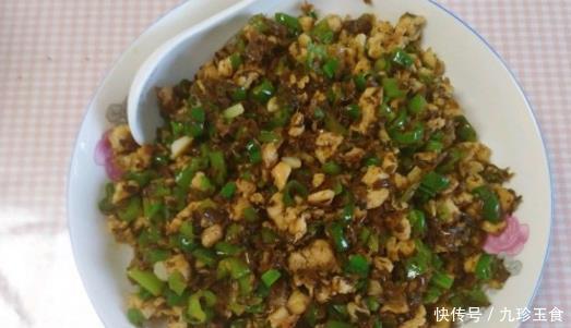 分享几道越吃越香的大厨家常菜:鸡米芽菜、茄子烧豆角