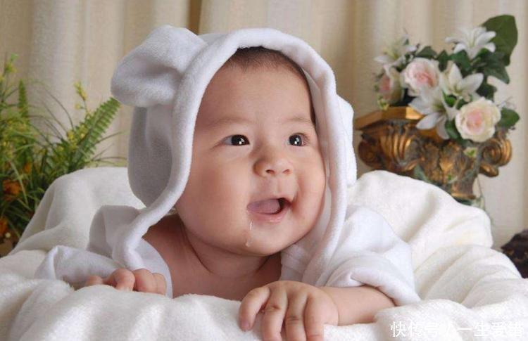 婴幼儿频繁溢奶怎么办?简单四步,教你如何缓解