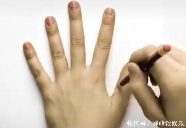 美术生教你画3D立体手 看到成品后 网友:这波天秀!