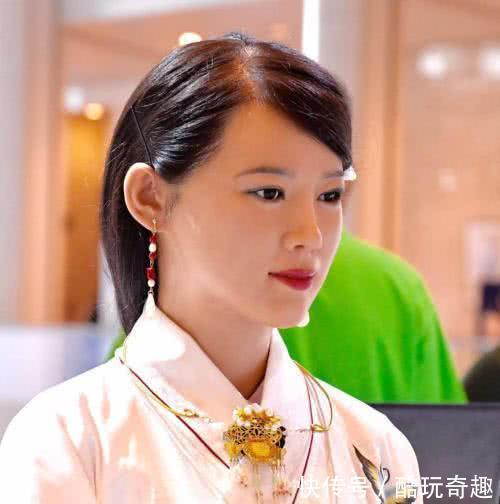 美女机器人脱去衣服和样子后,是梅毒?网美女硅胶图片