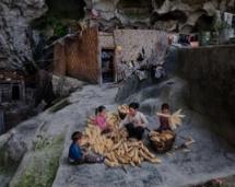 探秘中国最后的穴居部落,与世隔绝的生活!