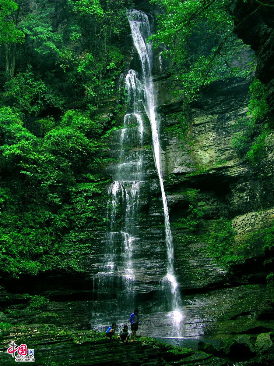 四川米仓山大峡谷风景名胜区位于广元市旺苍县境内,总面积约为265