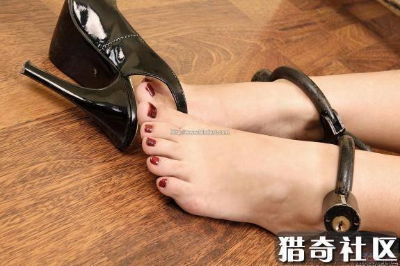 猎奇的脚镣在哪里买的 不要在淘宝买的图片