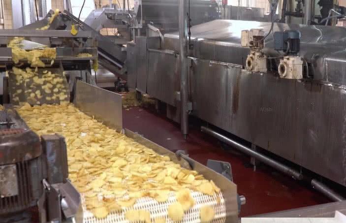 薯片不是用土豆做的看了薯片的加工过程,网友吐槽被骗20年