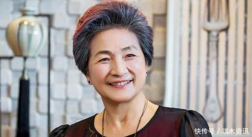 63岁郑佩佩女儿结婚,陈法蓉朱茵现身婚礼,还有他俩夫妻超抢镜