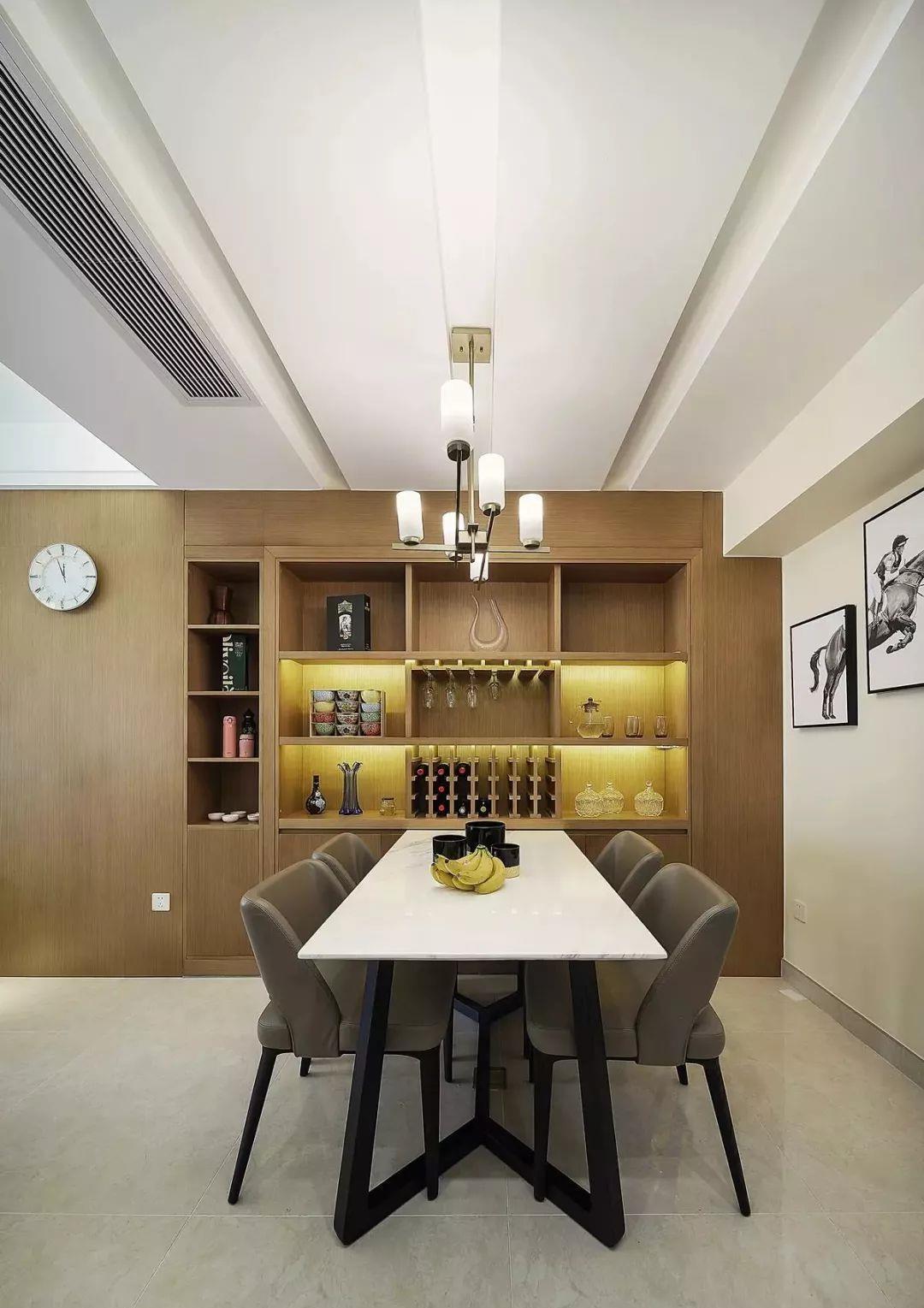 125现代简约三居室,大理石电视墙、情趣酒柜好哪个餐厅宜宾酒店图片