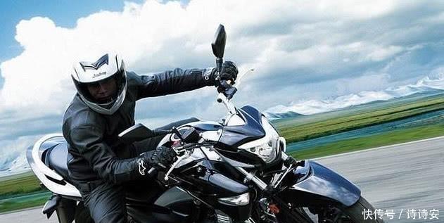 """<b>年轻人""""朝思暮想""""4款摩托车,月薪两千养得起,每一辆都很狂野</b>"""