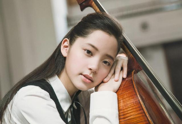 中国没有整容的五大女星,迪丽热巴上榜,最后一
