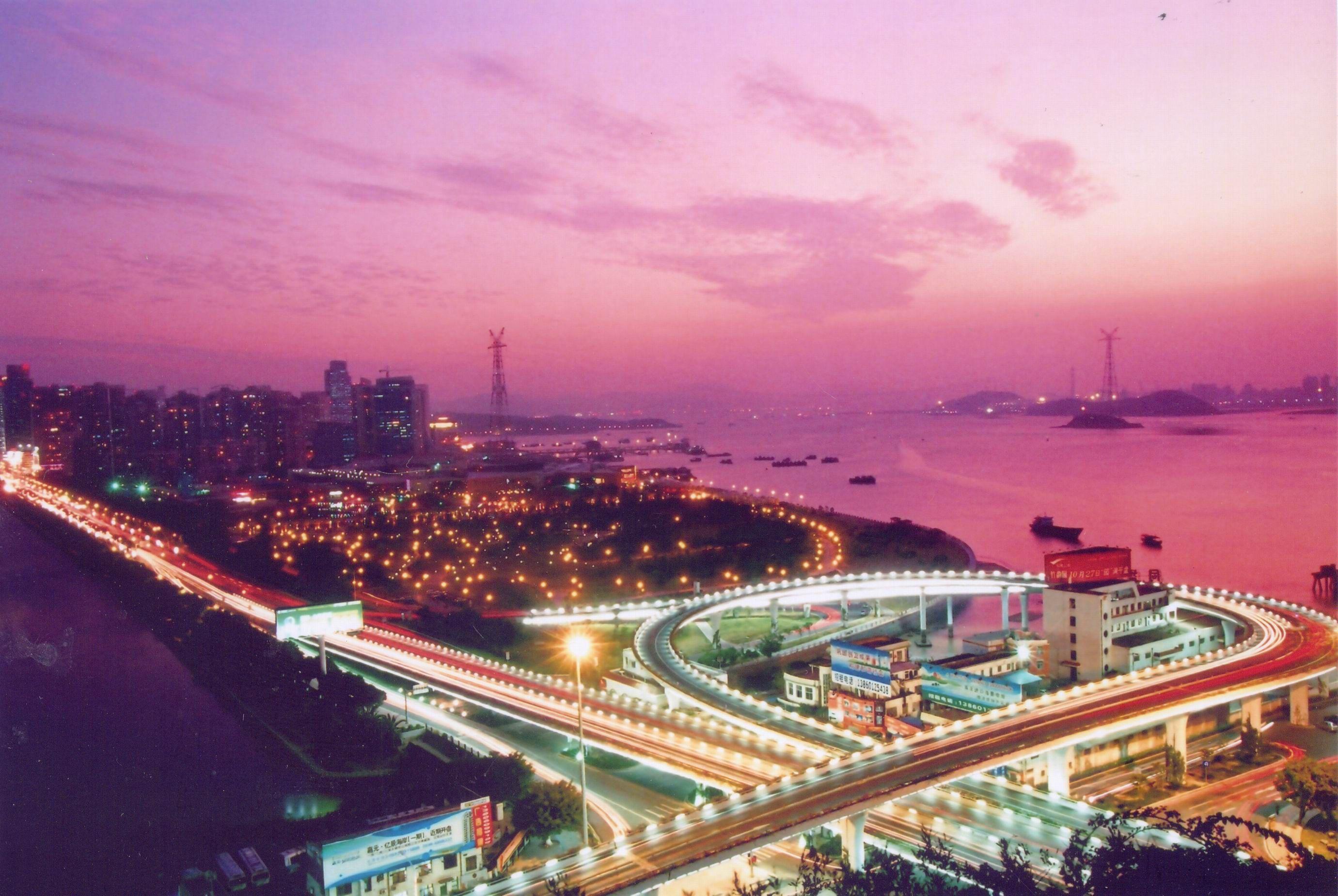 """厦门----""""中国十佳宜居城市""""2009-2010图片"""