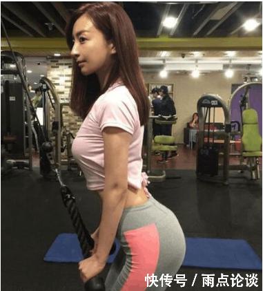 健身房美女!为了一副好身材都是能吃苦耐。男