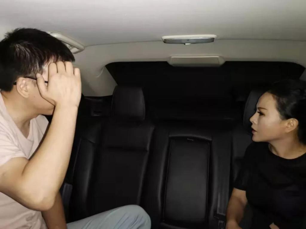 重庆保时捷女子首度现身:我错了