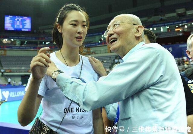 郎平就是霸气魏纪中建议中国女排隐藏实力,郎平却做出爽快回应