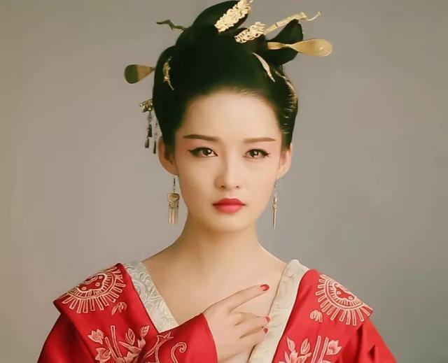 八个泪眼朦胧的古装美女,李沁,赵丽颖上榜,第一位让人
