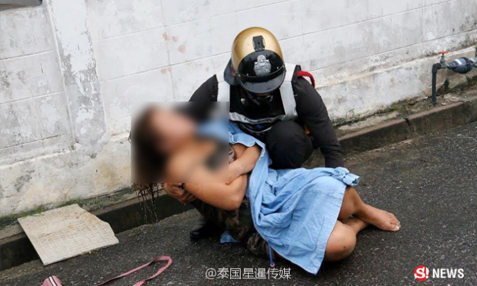 【转】北京时间     女子醉酒裸身倒入水沟 泰国警方细心照料 - 妙康居士 - 妙康居士~晴樵雪读的博客