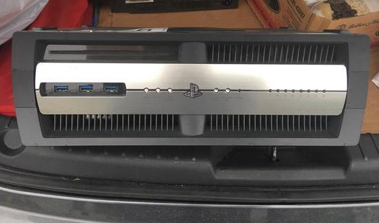 玩家购买的PS4开发机